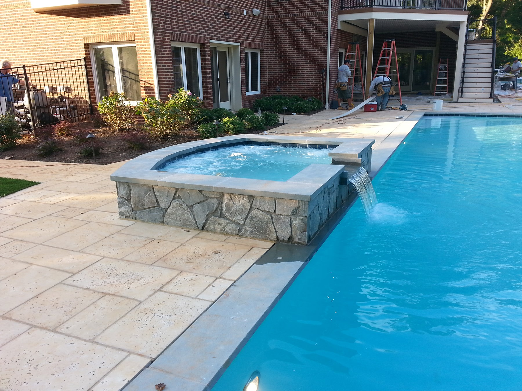 Custom inground pool with spa in maryland